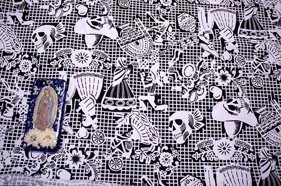 メキシコ メキシカンスカル ガイコツ カラベラ スカル 柄 生地 ファブリック キルト 布 ハギレ 手作り 素材 マテリアル ハンドメイド レジャーシート デコレーション パーティ飾り パーティグッズ