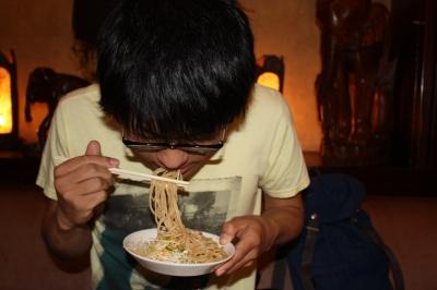 食べる食べる