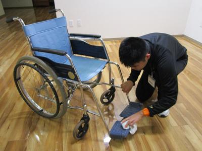 現場実習_車椅子掃除