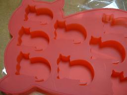 ネコちゃんの形の製氷皿