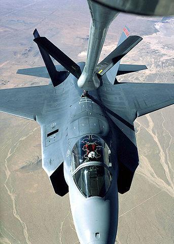 給油中のX-35A