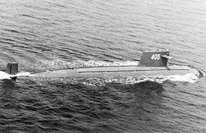 1993年に撮影された漢型原子力潜水艦(405号艦)