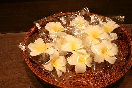 フランジパニの造花を見つけた♪