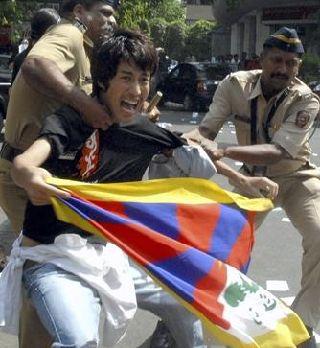 チベット人青年