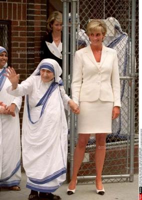 マザーテレサとダイアナ