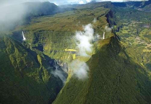 レユニオン島の火山峰