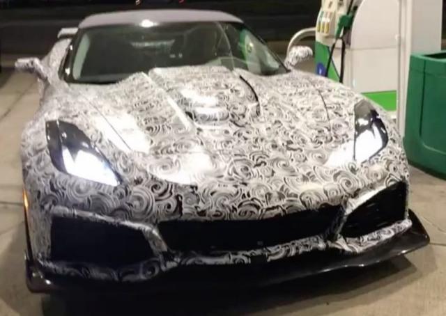 2018-C7-Corvette-ZR1-Spied-at-gas-station-1024x727_2271.JPG