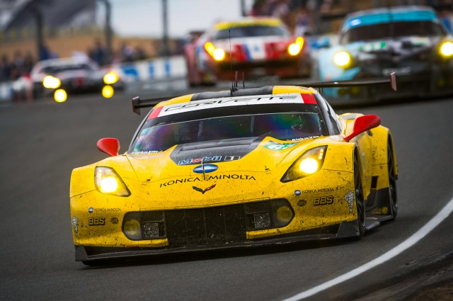 Chevrolet-Corvette-C7-R-with-Team-Chevy-Corvette-Racing-24-Hours-of-Le-Mans-front-end-in-motion-05_2272.JPG