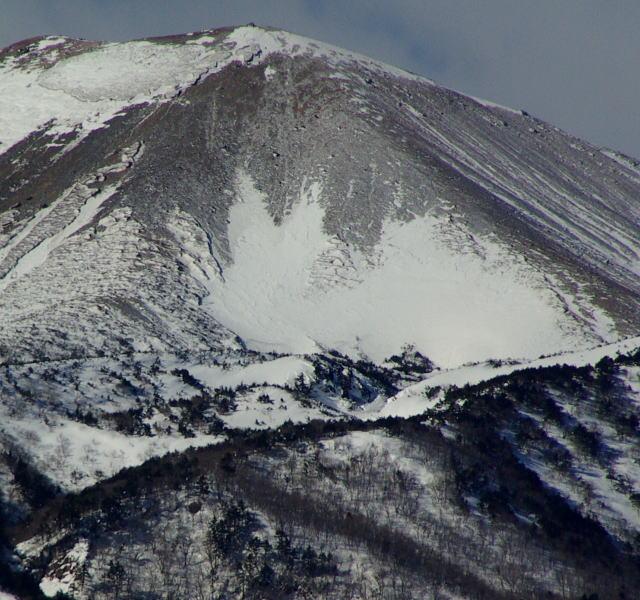 吾妻小富士の雪うさぎ