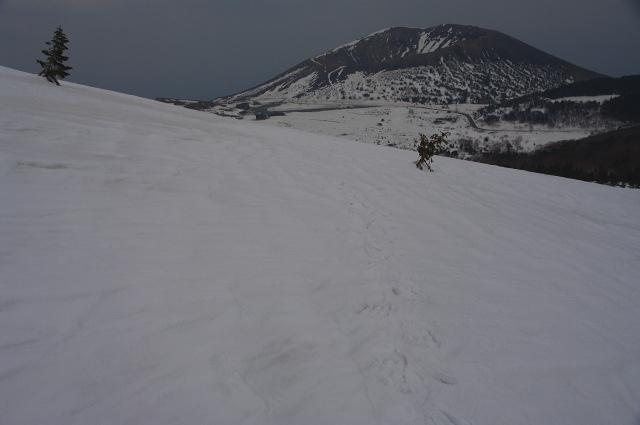 蓬莱山南側から吾妻小富士