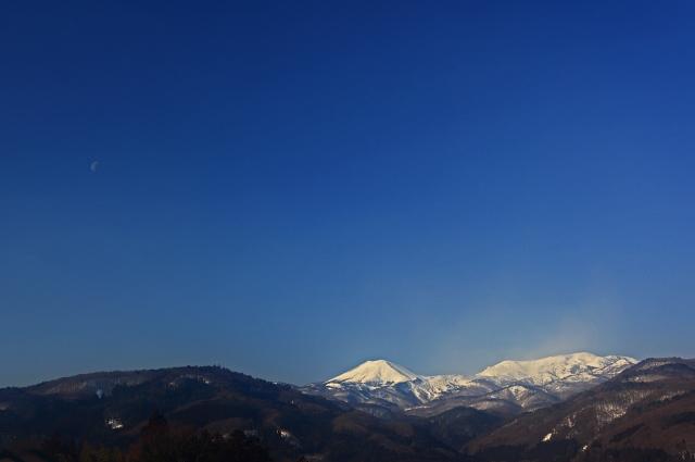 月と吾妻山