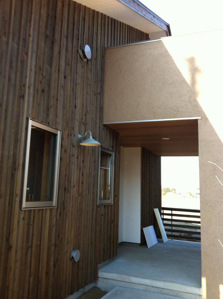 大屋根の家玄関