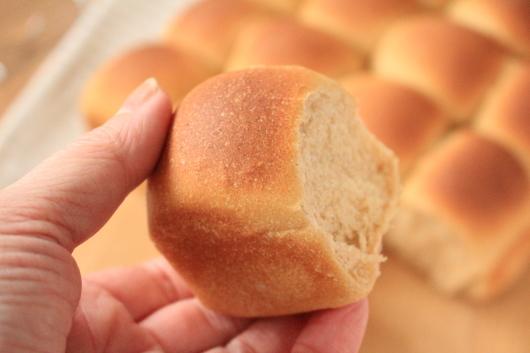 きな粉のちぎりパン