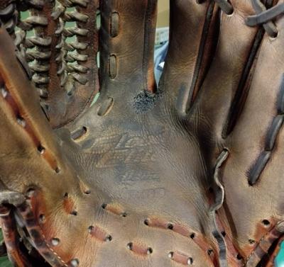 野球グラブ 修理