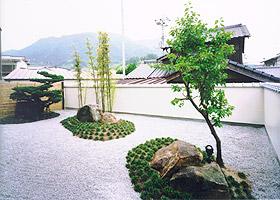 HOUSE O 庭