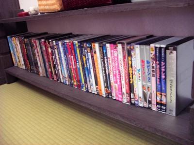 DVDは100本以上