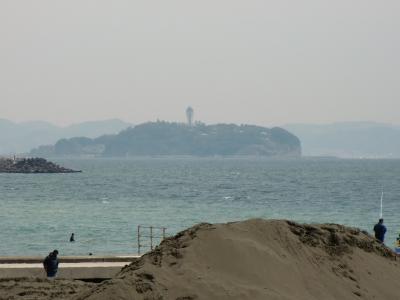 茅ヶ崎サザンビーチからの江ノ島
