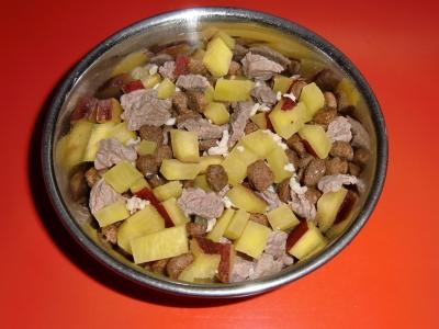 牛肉とサツマイモ和え