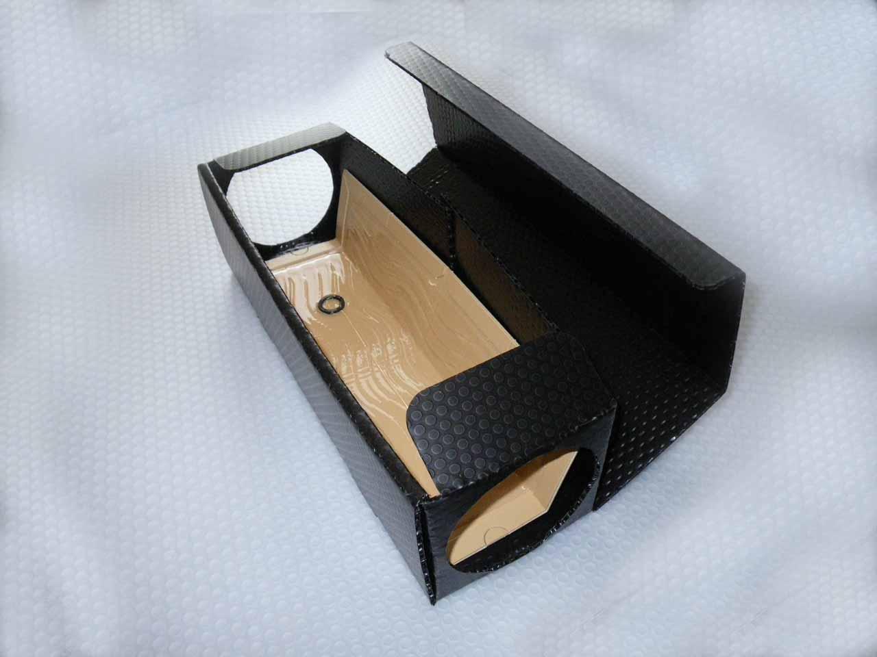 プラスチックシート製 粘着捕獲板を装填