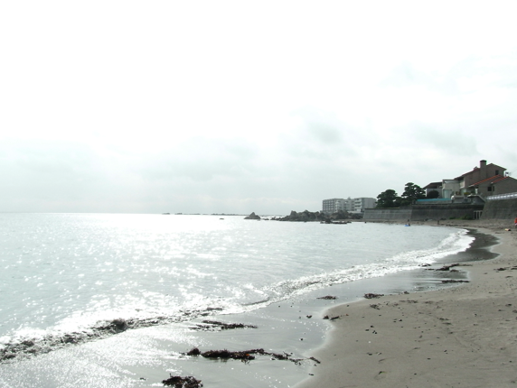 神奈川県・葉山の一色海岸。