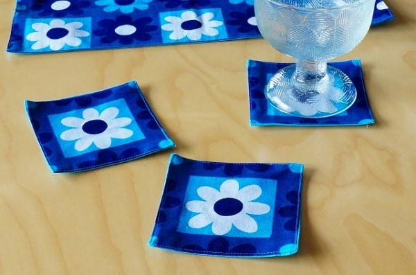 北欧雑貨/北欧/キッチン/雑貨/コースター/北欧生地/ファブリック/ブルー/青色/花柄