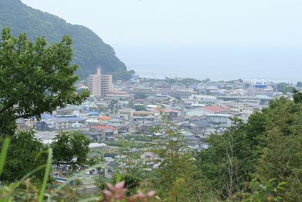眼下に河津の町並みが見えます。