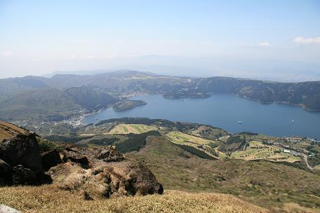眼下に芦ノ湖です。