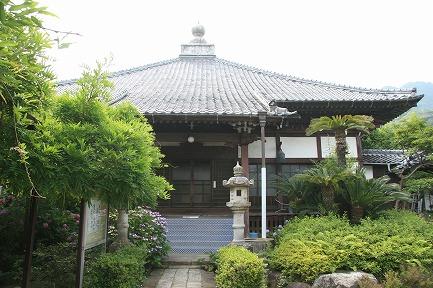 稲田寺本堂