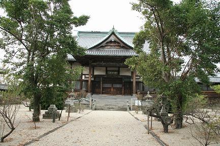 高伝寺本堂