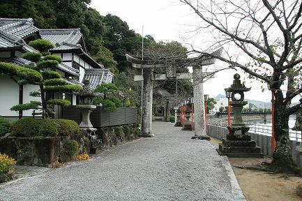 伊萬里神社への参道