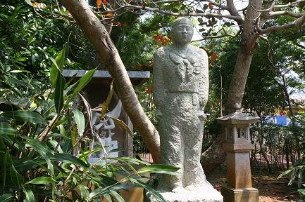 ひめゆりの石像