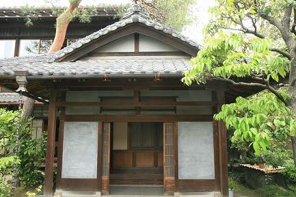 松村家の玄関