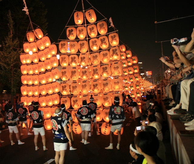 秋田竿燈まつり-5