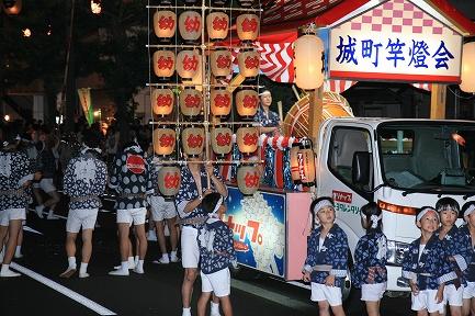秋田竿燈まつり-4
