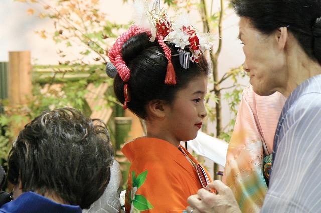日本伝統衣装と髪飾り