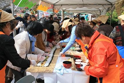 太巻寿司の実演
