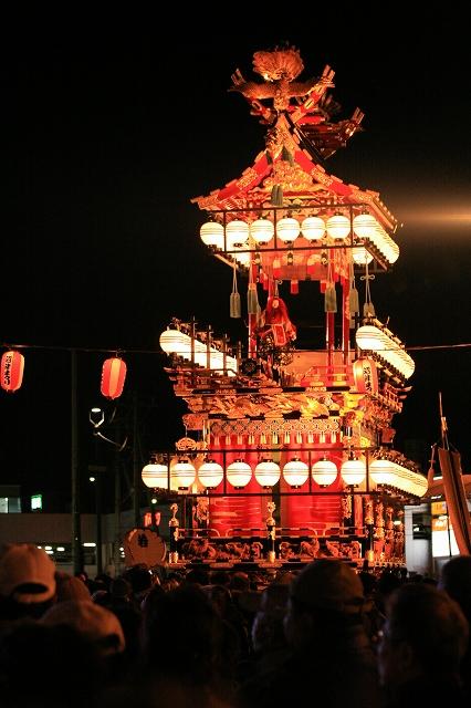 祝い山車・金鶏台