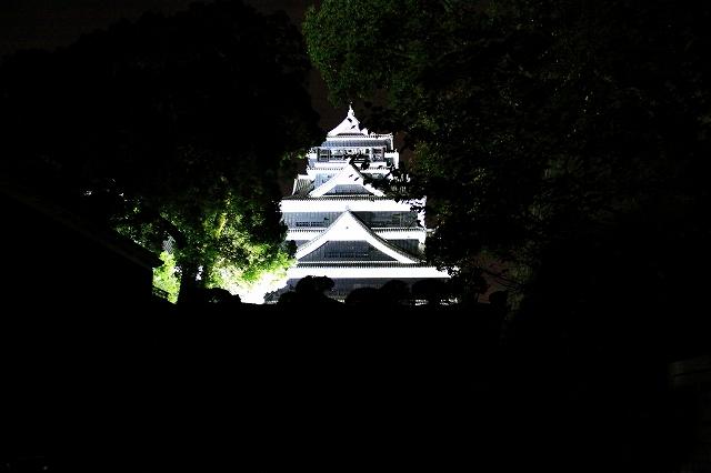 ライトアップされた熊本城-1