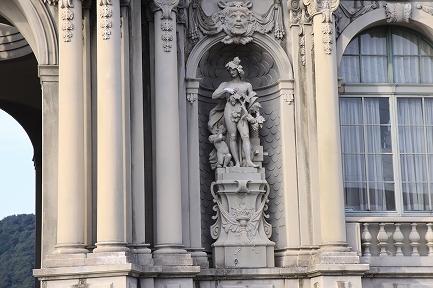 ツヴィンガー宮殿-3