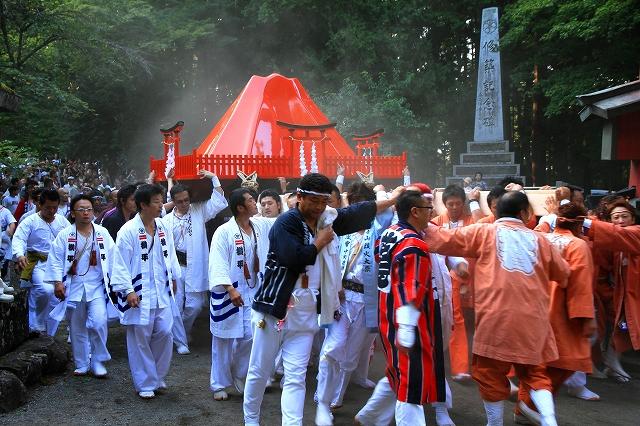 吉田の火祭り-2