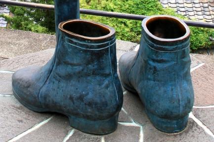 ブーツ像-6