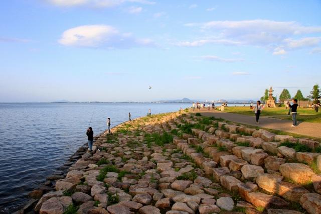 びわ湖湖畔-2