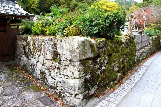 穴太衆積みの石垣-2