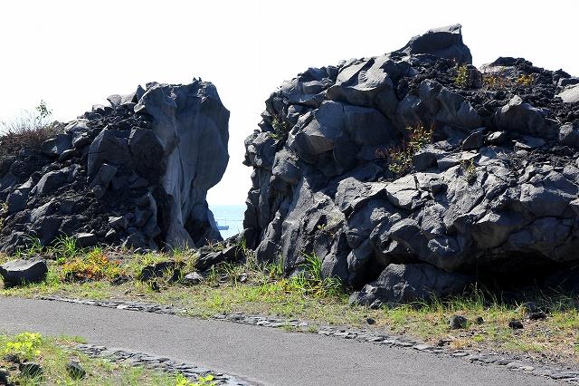 溶岩の風景-2