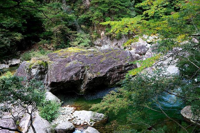 蓬莱岩-1