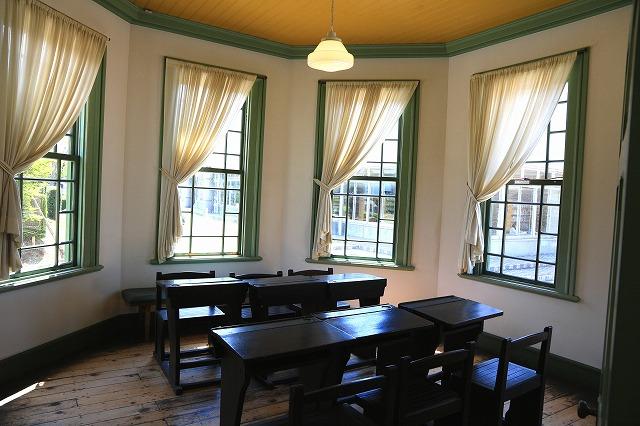 旧弘前市立図書館-5
