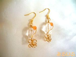 水晶とオレンジアベンチュリンのワイヤーアートフラワーピアス(イヤリング)|手作りアクセサリー工房みるいる