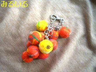 黄色とオレンジのマーブルにじだまバッグチャーム|手作りアクセサリー工房みるいる