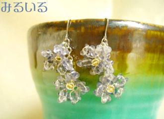 アイオライトとシトリンの透き通る花のピアス(イヤリング) 手作りアクセサリー工房みるいる