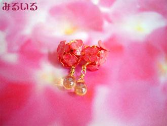 小さな赤い紫陽花と輝く雫のピアス(イヤリング)|手作りアクセサリー工房みるいる